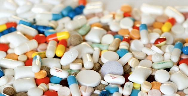 Przyjmowanie NLPZ w czasie trwania kuracji lekami przeciwzakrzepowymi nasila ich działanie przeciwzakrzepowe, zwiększając też ryzyko wystąpienia krwawień.