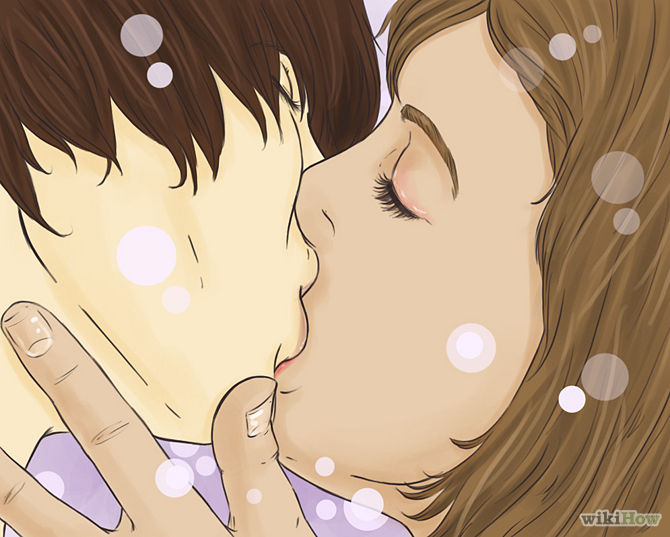 Pocałunki zacznij powoli od delikatnych, miękkich muśnięć ust. Początkowo pomijaj język i zęby, dopiero jeśli twój partner wykaże otwartość, można pozwolić sobie na więcej . Źródło: WikiHow.