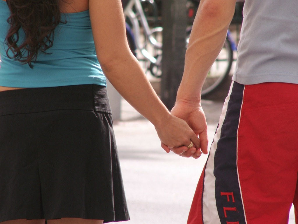 holding-hands-255223_1280