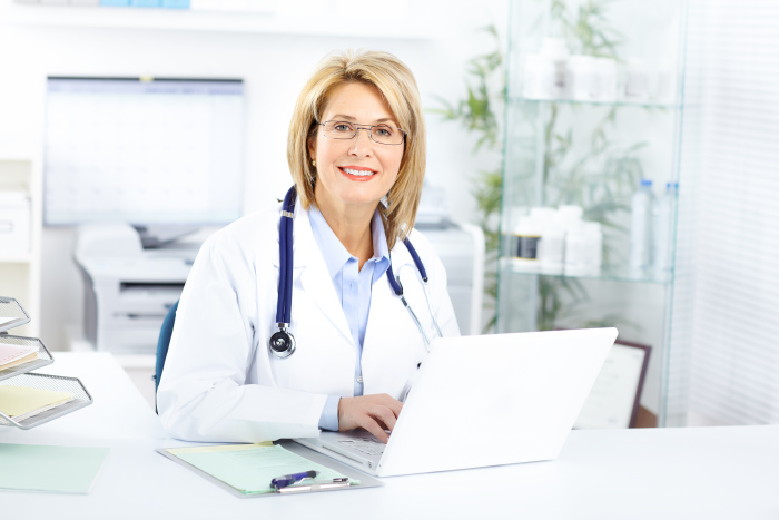 W przypadku zatrucia niezbędna jest konsultacja z lekarzem