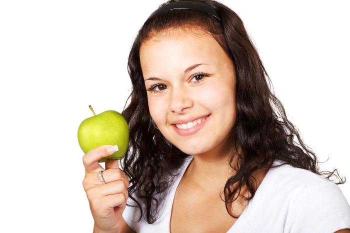 Chory, w sposób przesadny, dba o swoją dietę, obsesyjnie skupiając się na wartościach odżywczych oraz jakości pożywienia