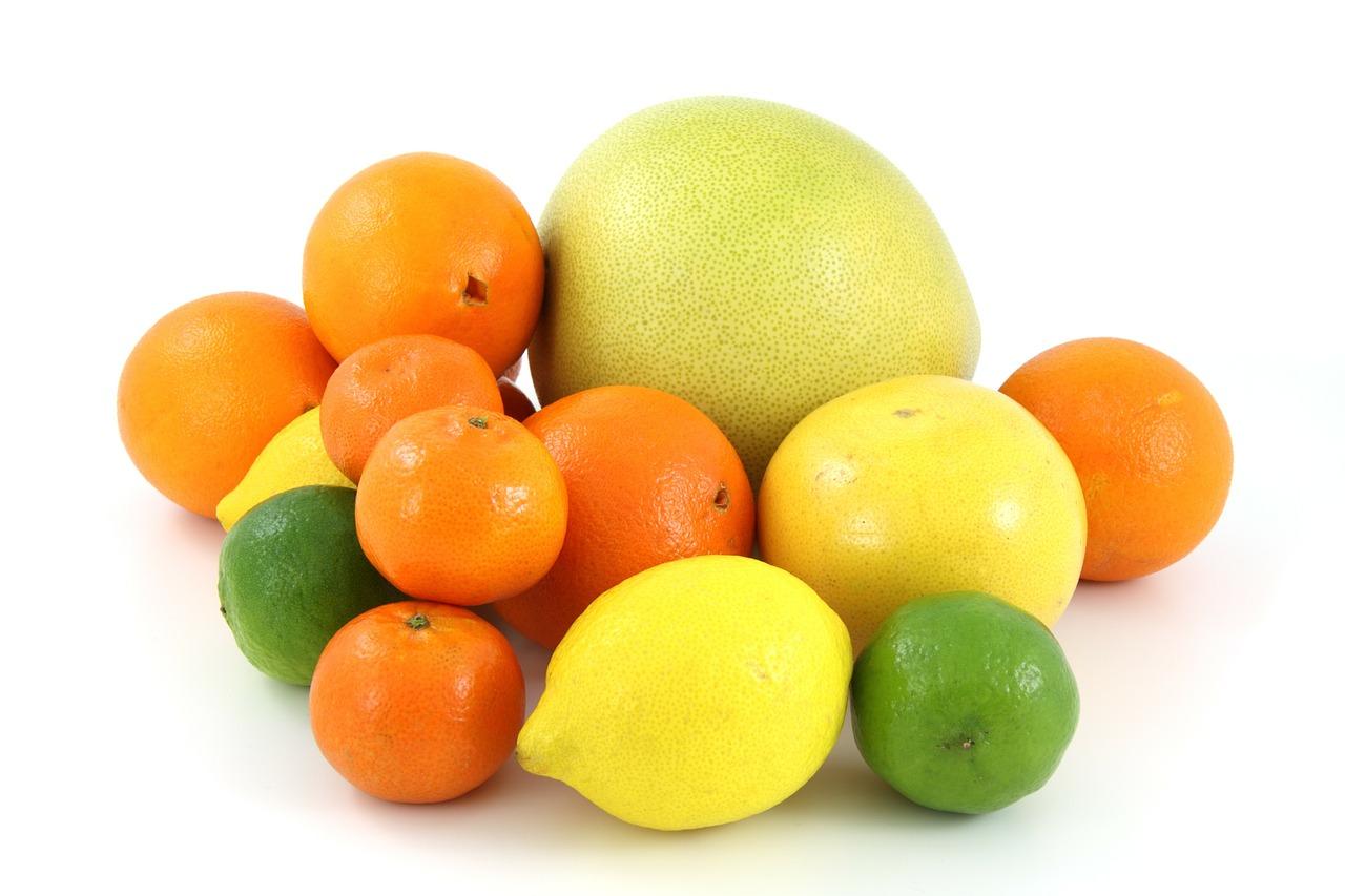 W zbilansowanej diecie podstawą są więc przede wszystkim produkty pełnoziarniste oraz warzywa i owoce