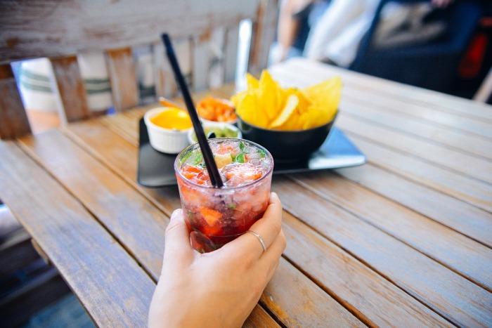 Spożywanie alkoholu w umiarkowanych ilościach pozwala się zrelaksować