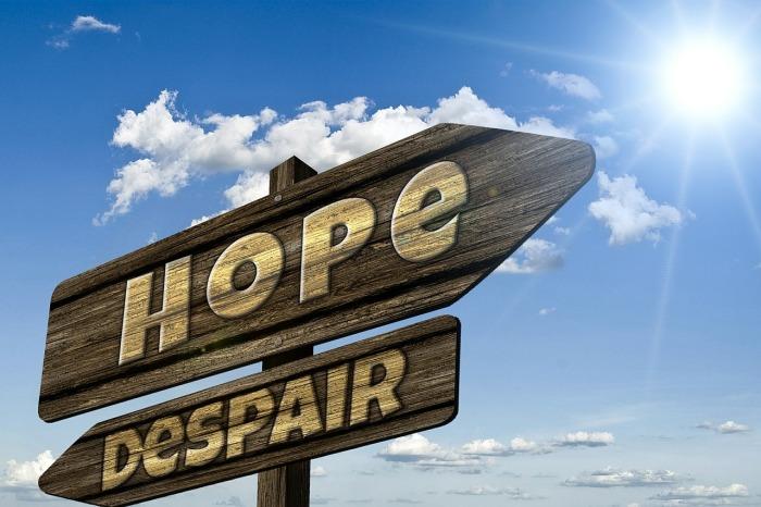 Próby samobójcze zwykle podejmowane są osoby, które pogrążone są w cierpieniu i nie widzą pozytywnego wyjścia z sytuacji, w której się znaleźli