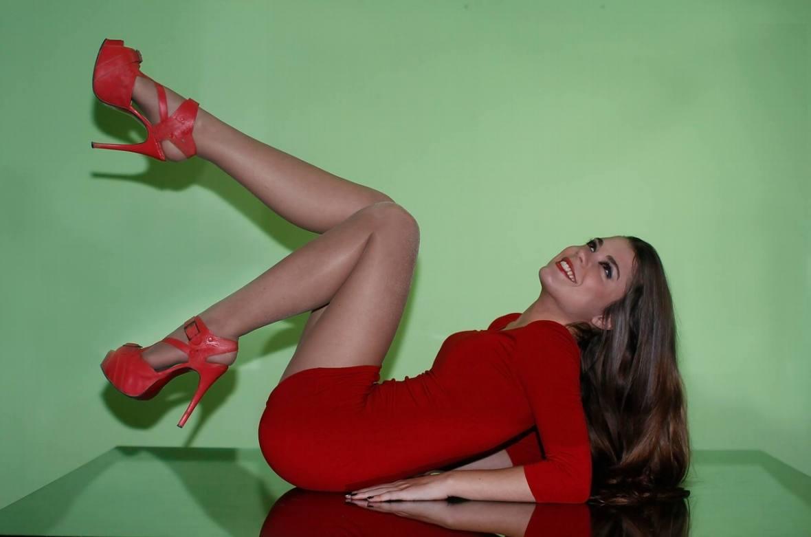 Niewątpliwie nogi to jedna z tych części kobiecego ciała, która w znaczny sposób podnieca mężczyzn.