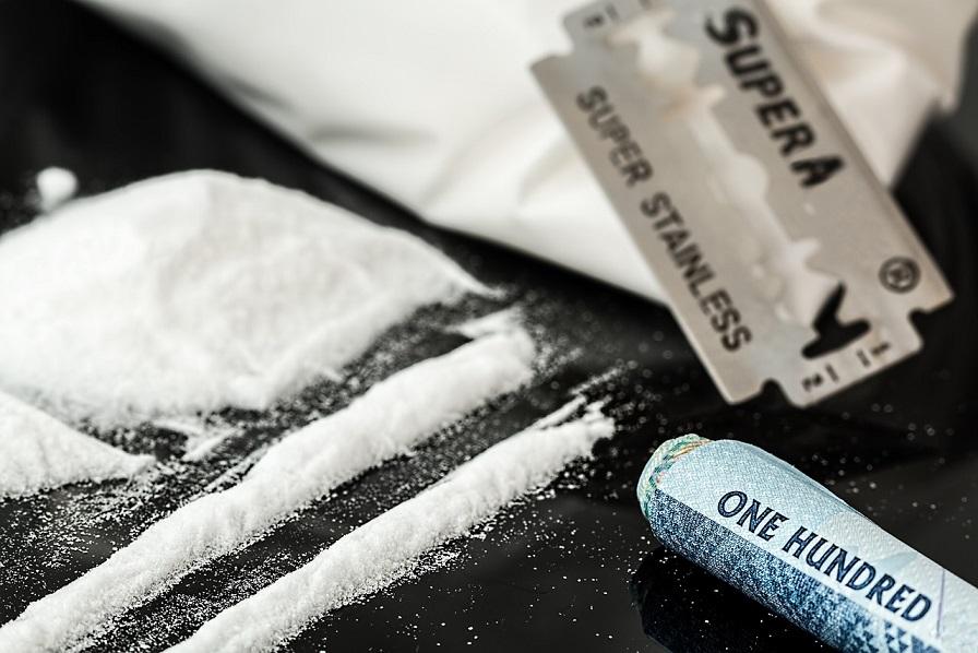 Za pomocą standardowych testów amfetaminę lub jej metabolity można wykryć w czasie od 4 do 72 godzin od spożycia narkotyku.