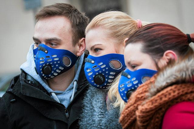 Już w połowie listopada, choć sezon grzewczy w zasadzie dopiero się rozpoczął, spłynęły na nas alarmujące informacje o poziomie zanieczyszczenia powietrza, szczególnie na południu Polski.